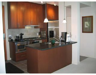 "Photo 2: 3002 1189 MELVILLE Street in Vancouver: Coal Harbour Condo for sale in ""MELVILLE"" (Vancouver West)  : MLS®# V780336"