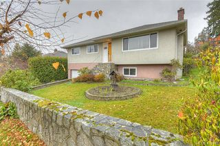 Photo 2: 928 Easter Rd in VICTORIA: SE Quadra Single Family Detached for sale (Saanich East)  : MLS®# 830141
