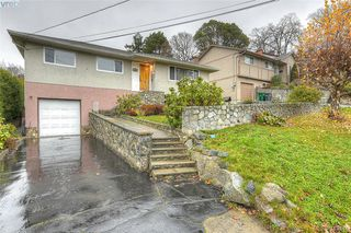 Photo 3: 928 Easter Rd in VICTORIA: SE Quadra Single Family Detached for sale (Saanich East)  : MLS®# 830141