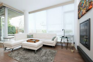 Photo 2: 105 200 Douglas Street in VICTORIA: Vi James Bay Condo Apartment for sale (Victoria)  : MLS®# 420559