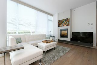 Photo 3: 105 200 Douglas Street in VICTORIA: Vi James Bay Condo Apartment for sale (Victoria)  : MLS®# 420559