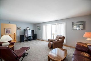 Photo 4: 22 Royal Salinger Road in Winnipeg: Niakwa Place Residential for sale (2H)  : MLS®# 202003509