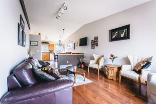 Photo 2: 162 Abbotsfield Drive in Winnipeg: River Park South Residential for sale (2F)  : MLS®# 202011459