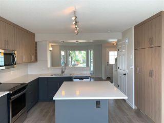 Photo 2: 160 MICHIGAN Key: Devon House for sale : MLS®# E4199302