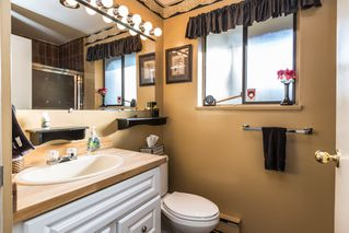 Photo 13: 2421 GLENWOOD Avenue in Port Coquitlam: Woodland Acres PQ House for sale : MLS®# R2463643