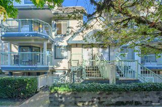 """Photo 2: 8 7520 18TH Street in Burnaby: Edmonds BE Townhouse for sale in """"WESTMOUNT PARK"""" (Burnaby East)  : MLS®# R2513250"""