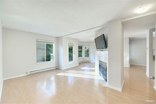 """Photo 3: 8 7520 18TH Street in Burnaby: Edmonds BE Townhouse for sale in """"WESTMOUNT PARK"""" (Burnaby East)  : MLS®# R2513250"""