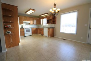 Photo 3: 61 17th Street East in Battleford: Residential for sale : MLS®# SK835942