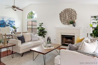Photo 3: CARMEL VALLEY House for sale : 4 bedrooms : 4210 Graydon Rd in San Diego