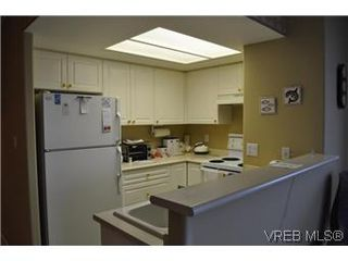 Photo 9: 608 930 Yates St in VICTORIA: Vi Downtown Condo Apartment for sale (Victoria)  : MLS®# 559464