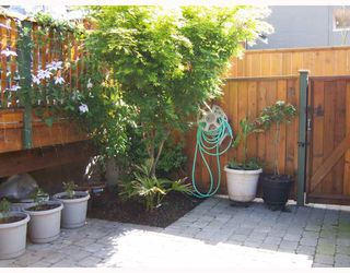 Photo 6: 223 E 17TH Street in North_Vancouver: Central Lonsdale House 1/2 Duplex for sale (North Vancouver)  : MLS®# V779427