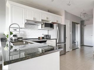 Photo 5: 814 353 W COMMISSIONERS Road in London: South D Residential for sale (South)  : MLS®# 209182