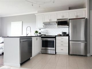 Photo 9: 814 353 W COMMISSIONERS Road in London: South D Residential for sale (South)  : MLS®# 209182