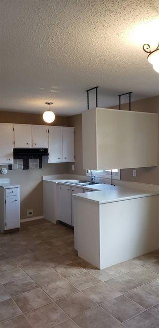 Photo 7: 10317 172 Avenue in Edmonton: Zone 27 House Half Duplex for sale : MLS®# E4169498