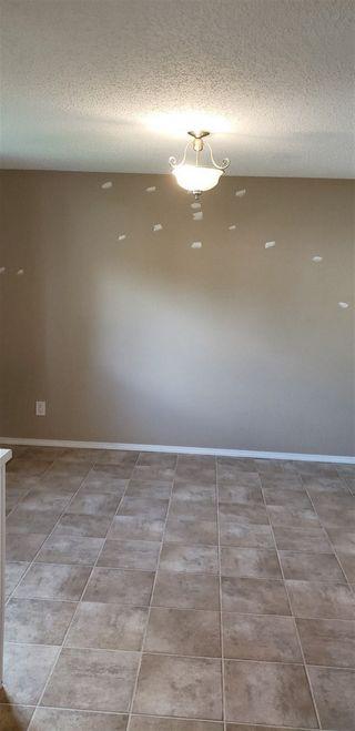 Photo 3: 10317 172 Avenue in Edmonton: Zone 27 House Half Duplex for sale : MLS®# E4169498