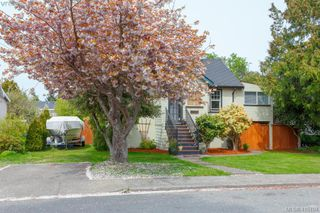 Photo 2: 2222 Bowker Ave in VICTORIA: OB North Oak Bay House for sale (Oak Bay)  : MLS®# 823436