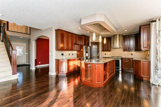 Photo 8: 4315 MCCLUNG Crescent in Edmonton: Zone 14 House for sale : MLS®# E4186365