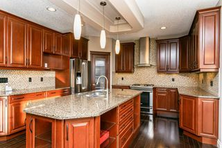 Photo 9: 4315 MCCLUNG Crescent in Edmonton: Zone 14 House for sale : MLS®# E4186365