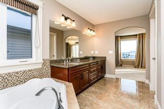 Photo 24: 4315 MCCLUNG Crescent in Edmonton: Zone 14 House for sale : MLS®# E4186365
