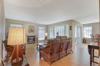 """Photo 3: 110 14861 98 Avenue in Surrey: Guildford Townhouse for sale in """"The Mansions"""" (North Surrey)  : MLS®# R2438007"""