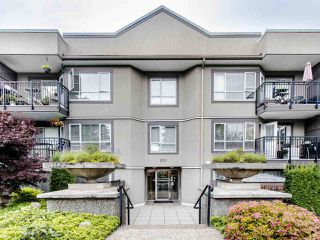 "Main Photo: 215 555 W 14TH Avenue in Vancouver: Fairview VW Condo for sale in ""Cambridge Place"" (Vancouver West)  : MLS®# R2470013"