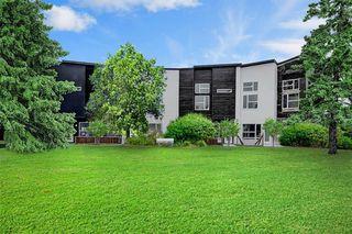 Photo 2: 452 15 Avenue NE in Calgary: Renfrew Row/Townhouse for sale : MLS®# A1024960