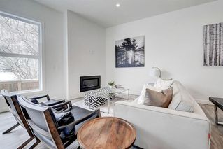 Photo 5: 452 15 Avenue NE in Calgary: Renfrew Row/Townhouse for sale : MLS®# A1024960