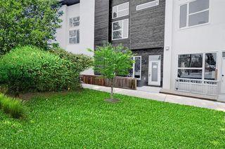 Photo 3: 452 15 Avenue NE in Calgary: Renfrew Row/Townhouse for sale : MLS®# A1024960