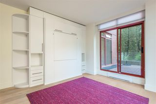 "Photo 14: 402 130 E 2ND Street in North Vancouver: Lower Lonsdale Condo for sale in ""The Olympic"" : MLS®# R2497879"