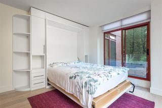 "Photo 15: 402 130 E 2ND Street in North Vancouver: Lower Lonsdale Condo for sale in ""The Olympic"" : MLS®# R2497879"