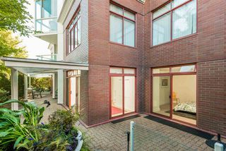 "Photo 18: 402 130 E 2ND Street in North Vancouver: Lower Lonsdale Condo for sale in ""The Olympic"" : MLS®# R2497879"