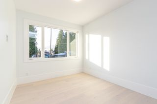 Photo 16: 900 HENDRY Avenue in North Vancouver: Boulevard House for sale : MLS®# R2526354
