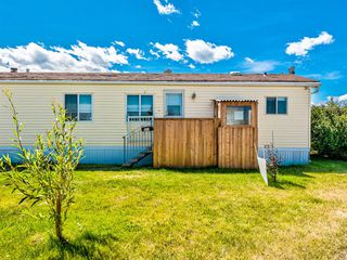 Photo 3: 483 3223 83 Street NW in Calgary: Greenwood/Greenbriar Mobile for sale : MLS®# A1059657