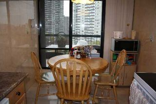 Photo 6: 13 115 Antibes Drive in Toronto: Condo for sale (C07: TORONTO)  : MLS®# C1980775
