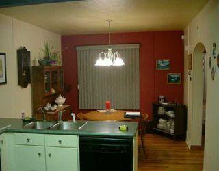 Photo 3: 437 DE LA MORENIE Street in WINNIPEG: St Boniface Single Family Detached for sale (South East Winnipeg)  : MLS®# 2601495
