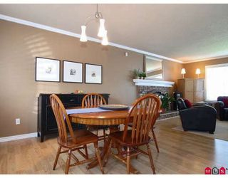Photo 5: 9383 212B Street in Langley: Walnut Grove House for sale : MLS®# F2907843
