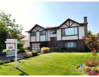 Photo 1: 9383 212B Street in Langley: Walnut Grove House for sale : MLS®# F2907843