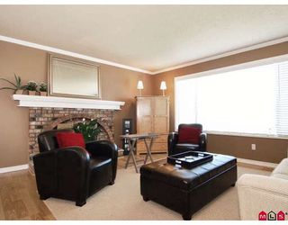 Photo 3: 9383 212B Street in Langley: Walnut Grove House for sale : MLS®# F2907843