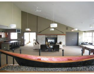 Photo 10: 108 400 KLAHANIE Drive in Port_Moody: Port Moody Centre Condo for sale (Port Moody)  : MLS®# V763322