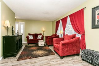 Photo 4: 12455 141 Street in Edmonton: Zone 04 House for sale : MLS®# E4191446
