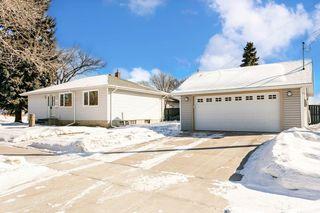 Photo 2: 12455 141 Street in Edmonton: Zone 04 House for sale : MLS®# E4191446