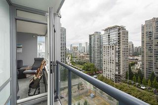 """Photo 11: 2009 939 EXPO Boulevard in Vancouver: Yaletown Condo for sale in """"MAX II"""" (Vancouver West)  : MLS®# R2491764"""