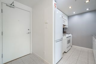 """Photo 9: 2009 939 EXPO Boulevard in Vancouver: Yaletown Condo for sale in """"MAX II"""" (Vancouver West)  : MLS®# R2491764"""
