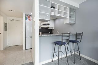 """Photo 3: 2009 939 EXPO Boulevard in Vancouver: Yaletown Condo for sale in """"MAX II"""" (Vancouver West)  : MLS®# R2491764"""