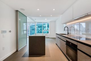 Main Photo: 1504 620 CARDERO Street in Vancouver: Coal Harbour Condo for sale (Vancouver West)  : MLS®# R2514737