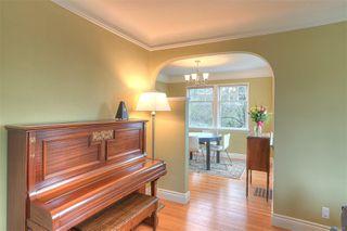 Photo 9: 2807 Irma St in : Vi Burnside House for sale (Victoria)  : MLS®# 860722