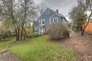 Photo 30: 2807 Irma St in : Vi Burnside House for sale (Victoria)  : MLS®# 860722