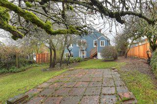 Photo 32: 2807 Irma St in : Vi Burnside House for sale (Victoria)  : MLS®# 860722