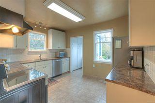 Photo 12: 2807 Irma St in : Vi Burnside House for sale (Victoria)  : MLS®# 860722