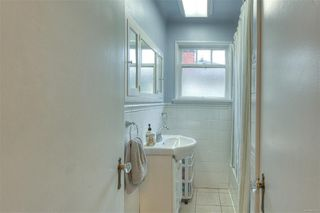 Photo 17: 2807 Irma St in : Vi Burnside House for sale (Victoria)  : MLS®# 860722